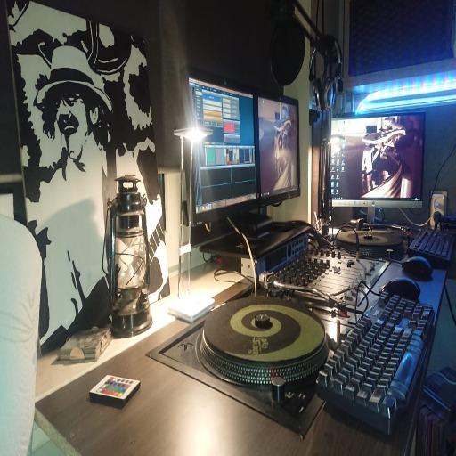 Radio Weleer Studio Mosfet1