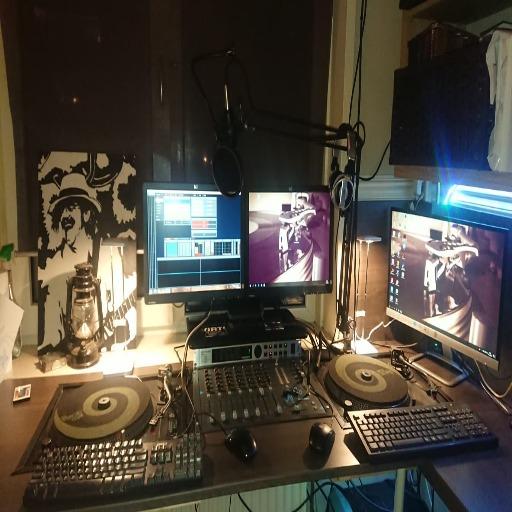 Radio Weleer Studio Mosfet2